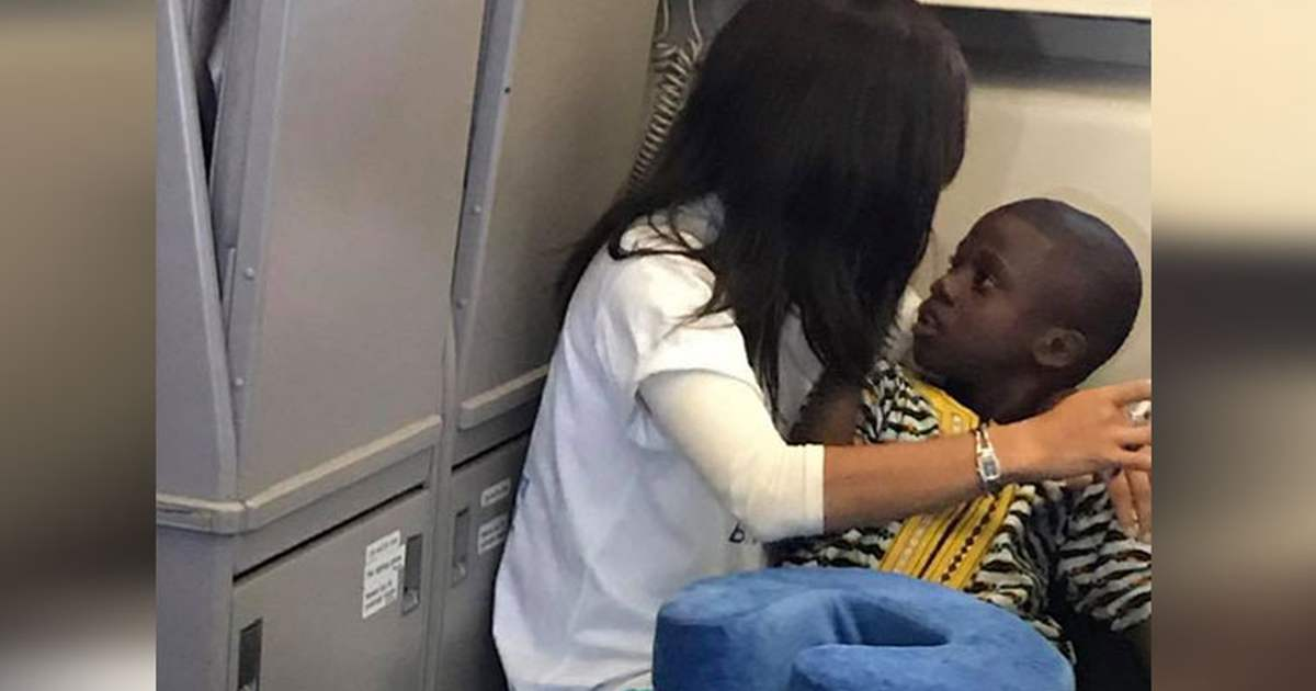 Child With Autism Has Total Meltdown On Plane, But This Stranger's Response Left Passengers In Awe