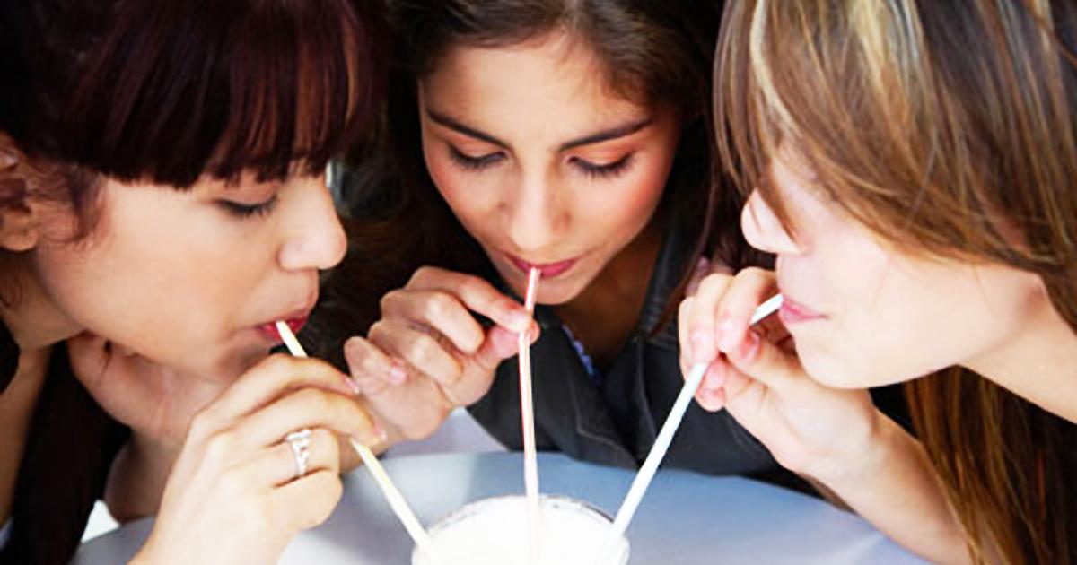 картинки люди пьют молочные коктейли